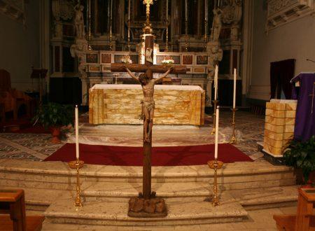 Inizia la Quaresima. Storia e descrizione del rito dell'Adorazione della Croce.