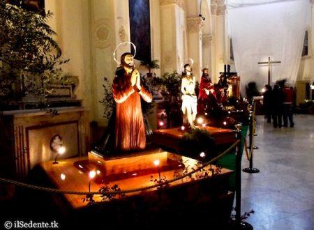 Venerdì Santo a Ruvo di Puglia: la Processione del Cristo Morto in Cattedrale e la Processione dei Misteri