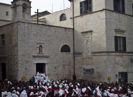 Processione degli Otto Santi: le foto dell'uscita e del rientro nella Chiesa di S. Rocco