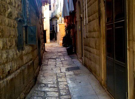 Via sant'Antonio abate: memoria di una chiesa scomparsa