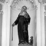 La statua di santa Margherita da Cortona nella chiesa di San Michele Arcangelo