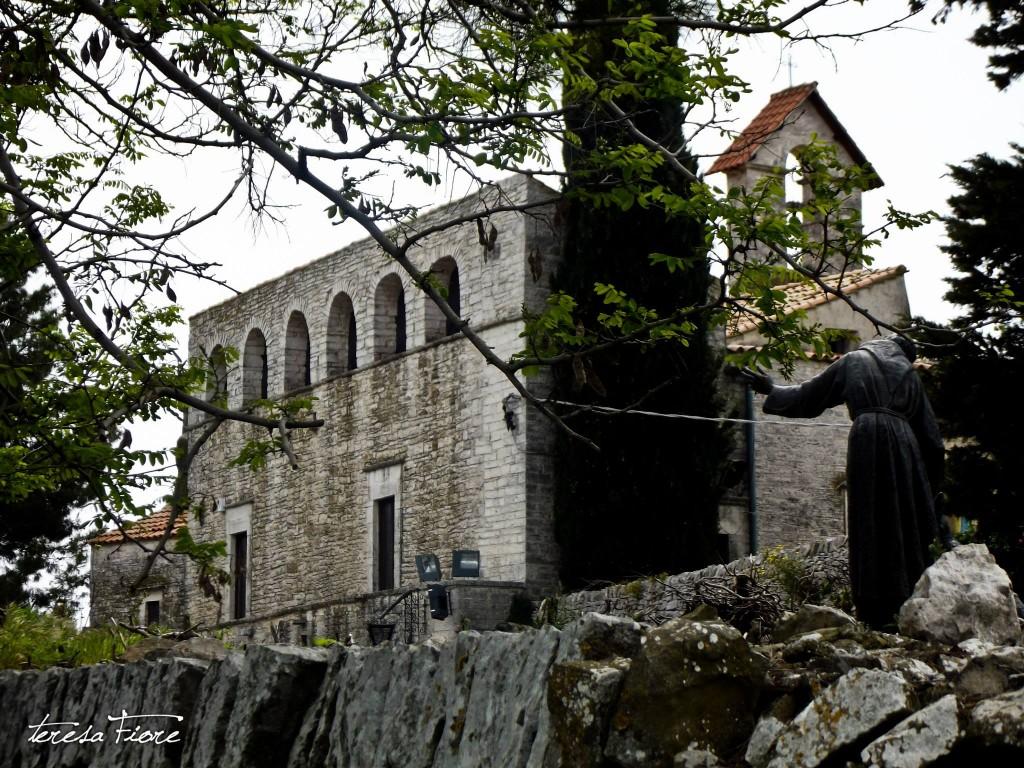 Il monumento bronzeo a Calentano