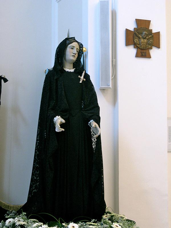 Madonna vestita di nero