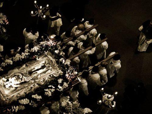 Venerdì Santo, 30 marzo 1736: l'uscita della Processione dei Misteri a Ruvo di Puglia